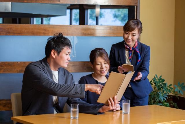 レストランで使う会話フレーズ【英語・中国語】発音、簡体字、繁体字
